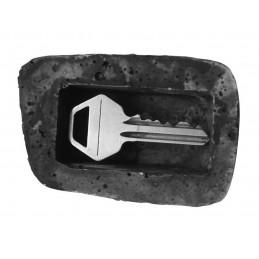 Pietra per il giardino in cui nascondere una chiave