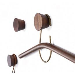 Houten kledinghaak (kapstok), noten (1 stuk van type 2)  - 1