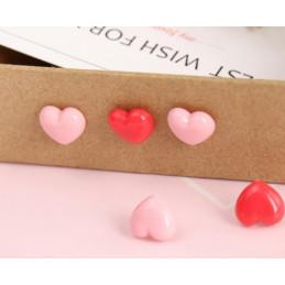 Set van 240 punaises: mix van roze en rode hartjes in doosjes