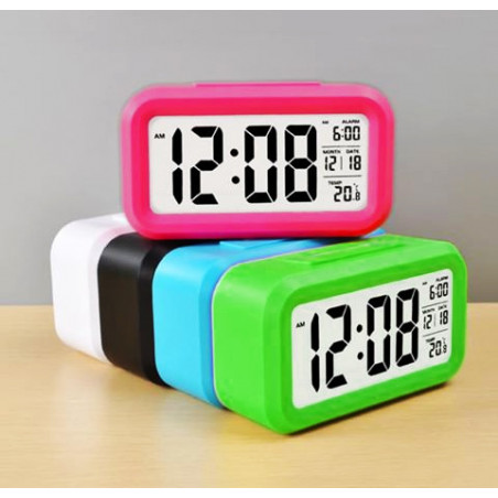 Moderne alarmklok/wekker in vrolijke kleur: wit