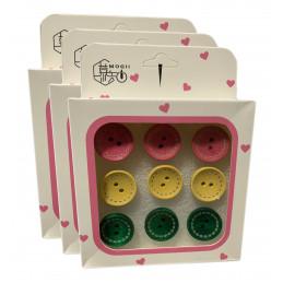 Set van 27 leuke punaises in doosjes (model: knopen roze, geel