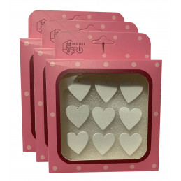 Zestaw 27 uroczych pinezek w pudełku (model: serca, biały