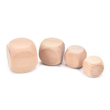 Set of 100 wooden cubes (dice), size: medium (16 mm)