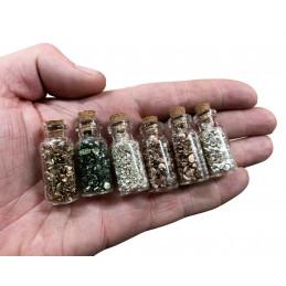 Set van 18 mini flesjes met mini decosteentjes (type 3)