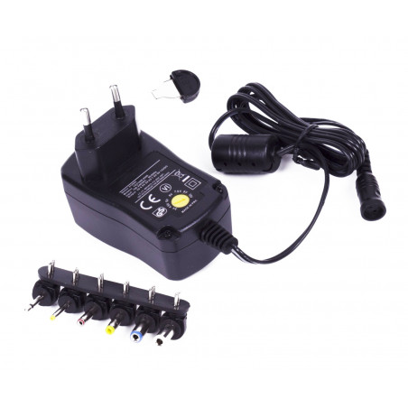 Universal adapter from 230V (AC) to 3.0-12V (DC), 600 mA